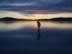 kveldsstemning på islagd skjoldafjord